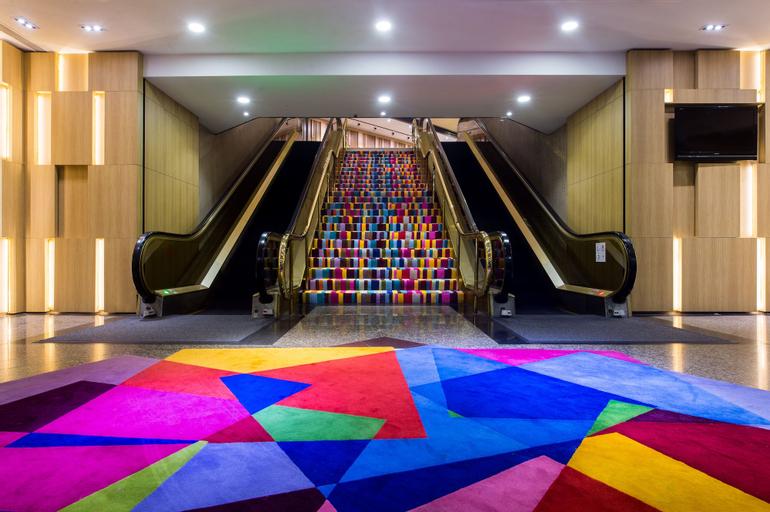 Furama City Centre, Outram