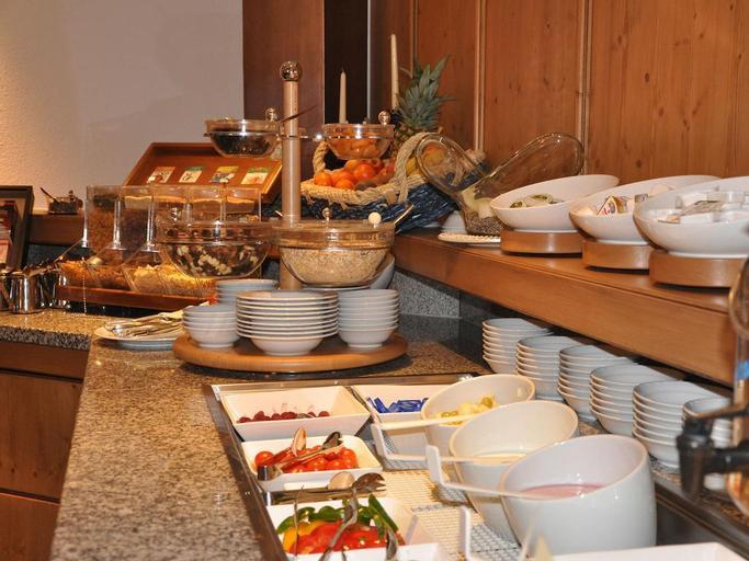 Hotel Garni Angela, Landeck