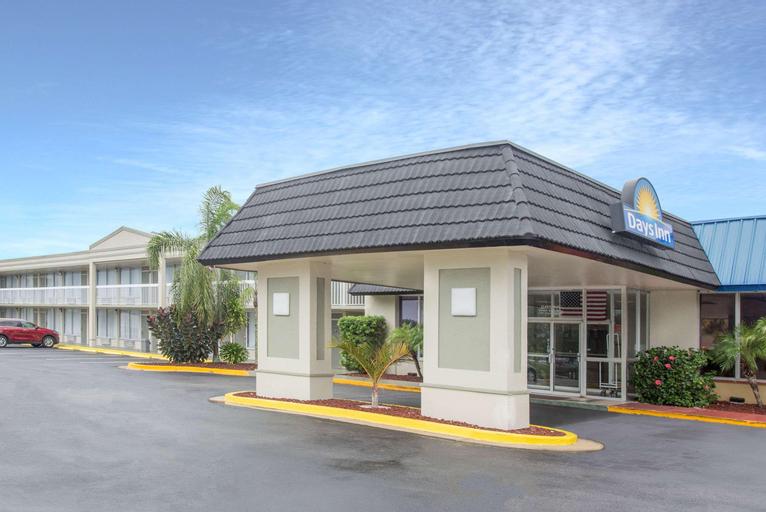 Days Inn by Wyndham Titusville Kennedy Space Center, Brevard
