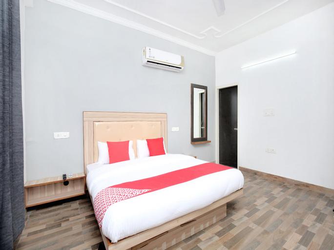 OYO 15143 Hotel Redstone, Sahibzada Ajit Singh Nagar