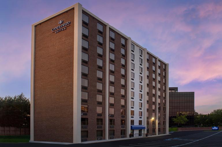 Candlewood Suites Alexandria West, an IHG Hotel, Alexandria