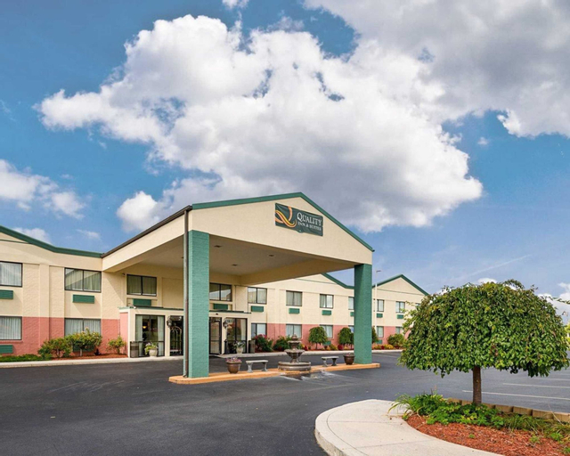 Quality Inn and Suites, Adams