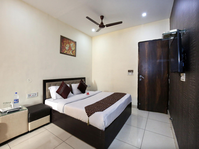 OYO 9323 Hotel Sidana Solitaires, Ludhiana