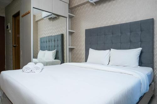 Fully Furnished and Cozy Studio Tifolia Apartment By Travelio, Jakarta Timur