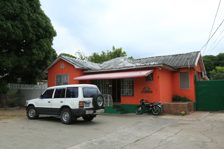 Reggae Hostel,