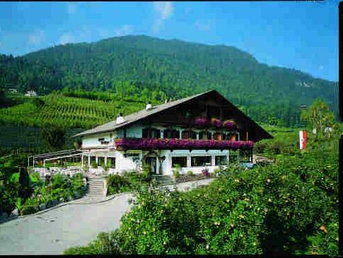 Hotel Restaurant Kirchsteiger, Bolzano