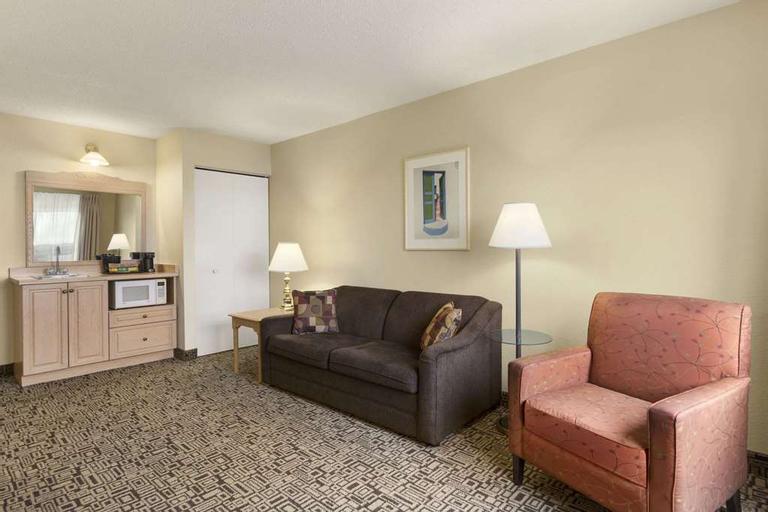 Travelodge by Wyndham Suites St Augustine, Saint Johns