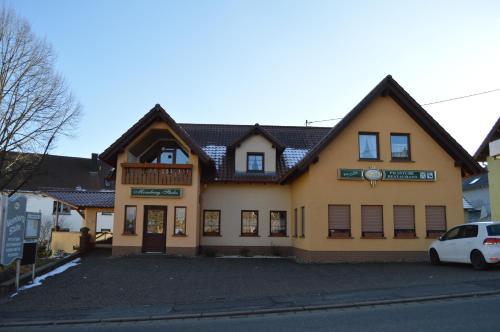 Gasthaus und Pension Mombergstube, St. Wendel
