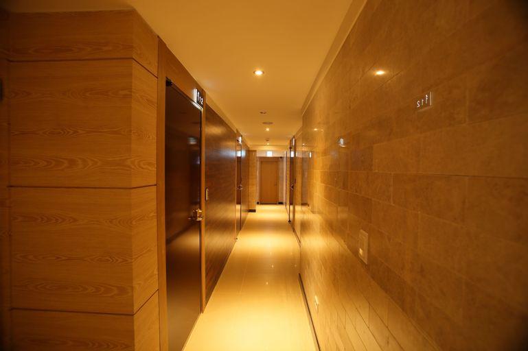 Hotel MIDO Myeongdong, Jung