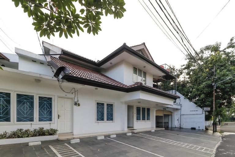 RedDoorz Plus @ Tendean, Jakarta Selatan