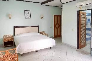 RedDoorz Plus near Tugu Mercusuar Anyer, Serang