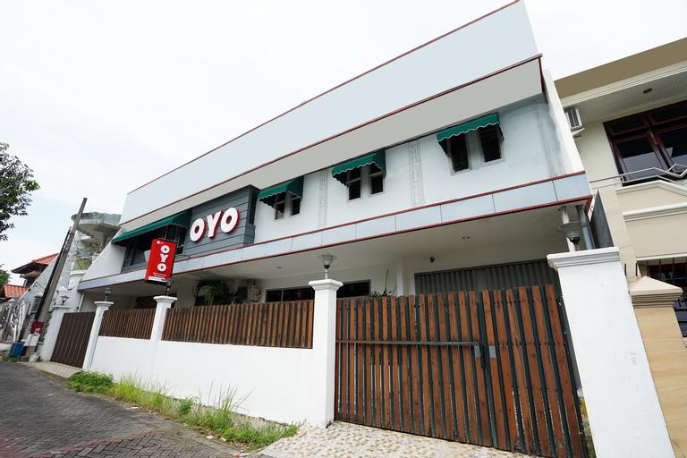 OYO 473 Darmo Permai Guesthouse, Surabaya