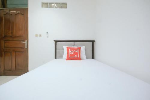 Roomme Sunter Guest House, Jakarta Utara