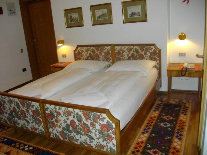 Hotel Villa Emilia, Bolzano