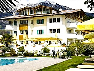 Landhaus Hotel Kristall, Bolzano