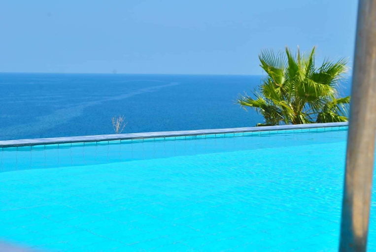 Villa Blue Ocean by Amy Villa,