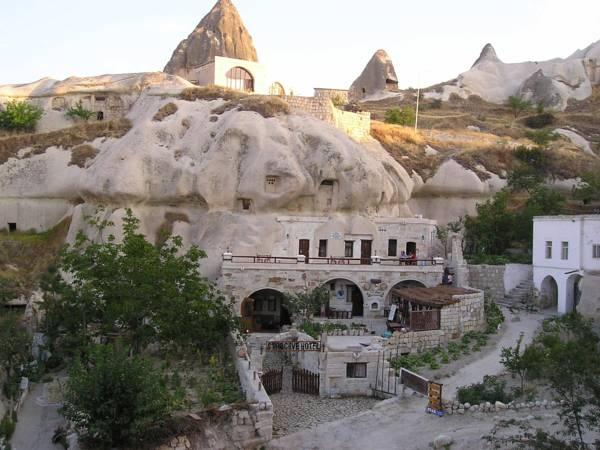 Aza Cave Hotel, Merkez