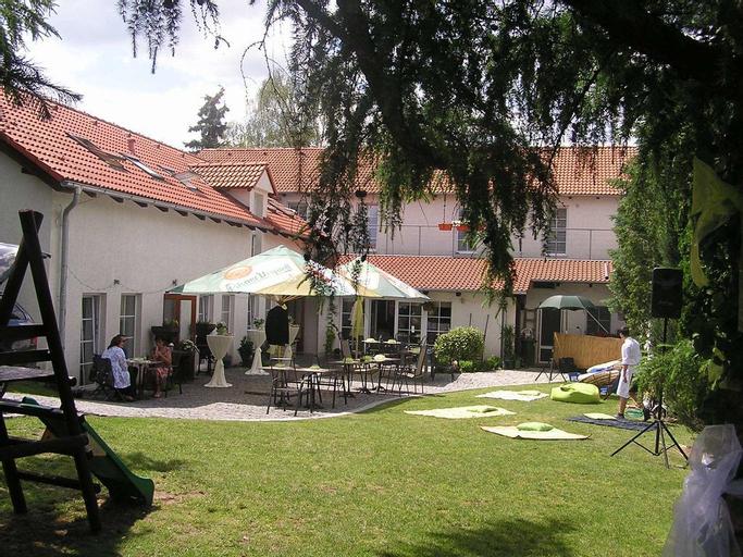 Alt pension, Praha 22