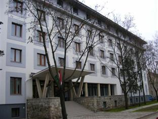 OEC West Hostel, Debrecen