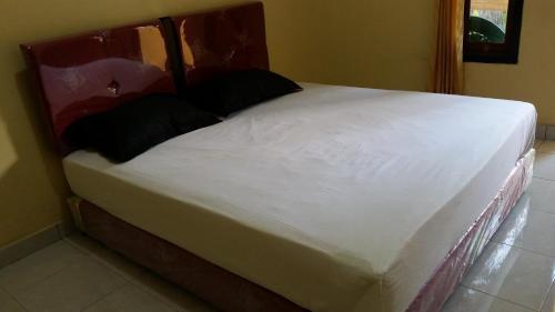 Eman's Room, Lombok Tengah