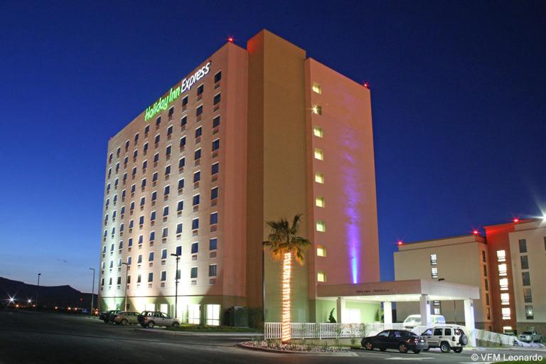 Holiday Inn Express Saltillo Zona Aeropuerto, Saltillo