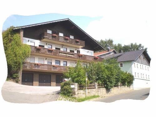 Gasthof - Pension Schamberger, Cham