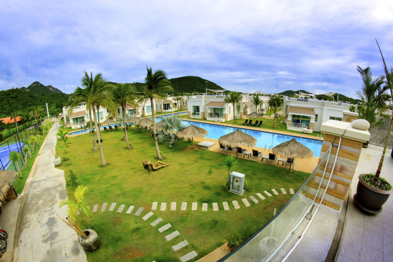 Oriental Beach Pearl Resort, K. Sam Roi Yot