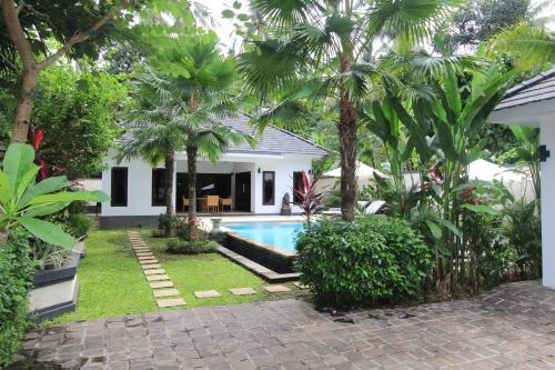 Villa Kupu Kupu Lovina, Buleleng