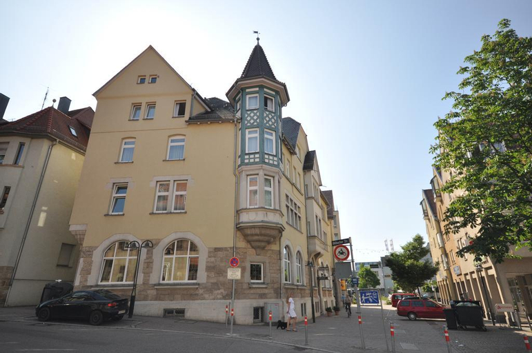 Brita Obertürkheim, Stuttgart
