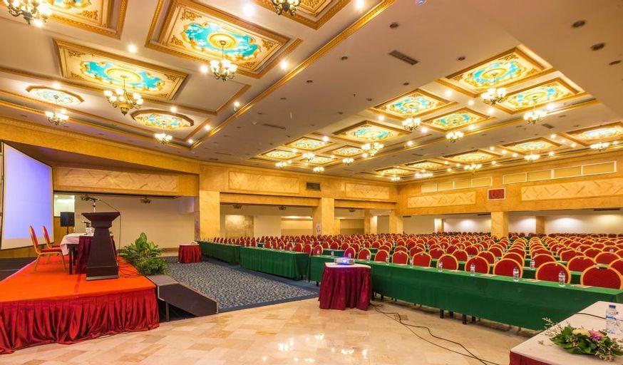 Twin Plaza Hotel, West Jakarta