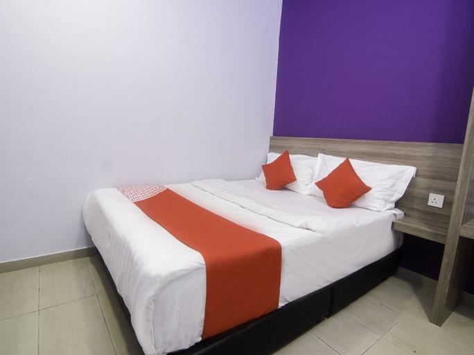 OYO 44101 Hotel DJ Palace, Manjung