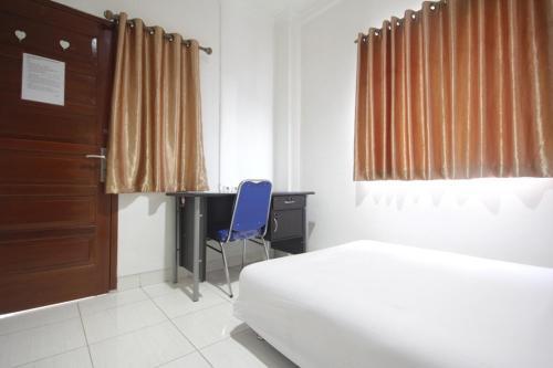 Roomme Tanjung Duren 382, West Jakarta