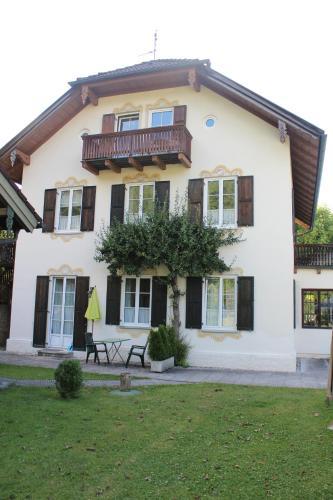 Villa Waldfrieden - Ferienwohnungen und -Haus, Bad Tölz-Wolfratshausen