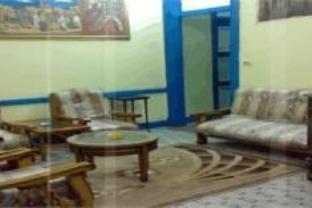 Richmond Hotel, Qasr an-Nil