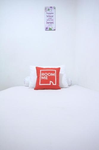 RoomMe Grogol Cozy Home, West Jakarta