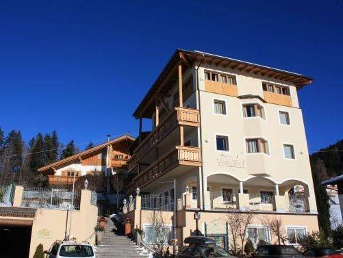 Klein Fein Hotel Viertlerhof, Bolzano