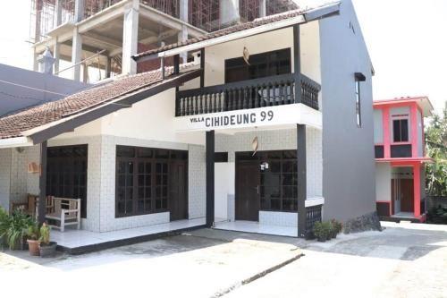 Villa Cihideung 99, Bandung