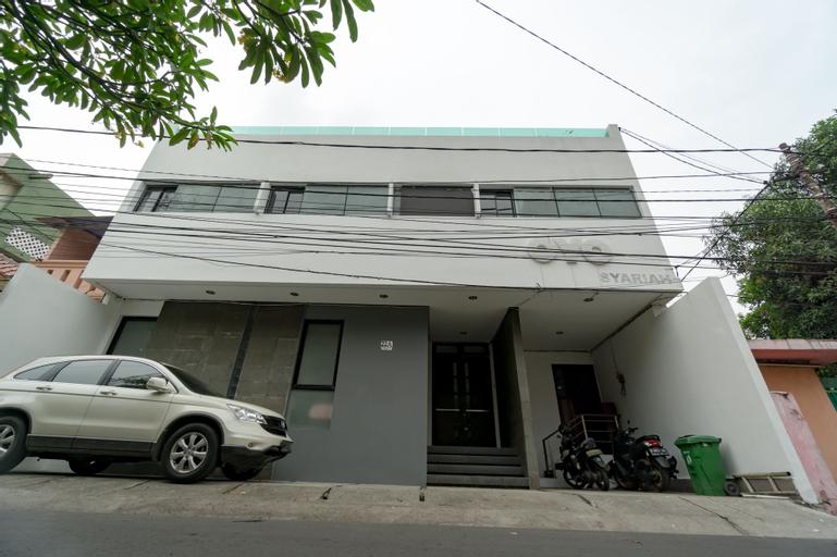 OYO 1953 Residence Stasiun Tebet Syariah Near RS Hermina Jatinegara, South Jakarta