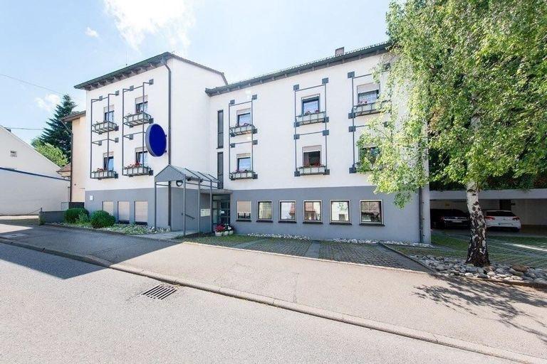 Hotel Sirrah, Stuttgart