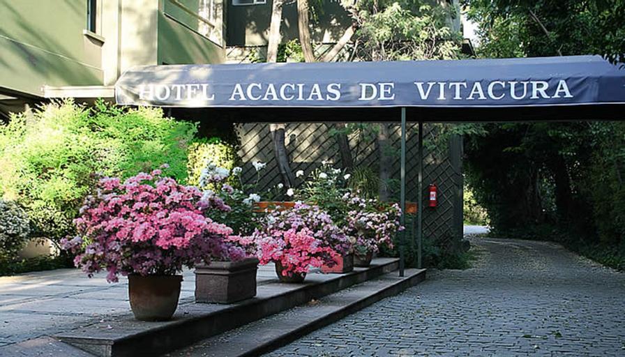 Acacias de Vitacura, Santiago