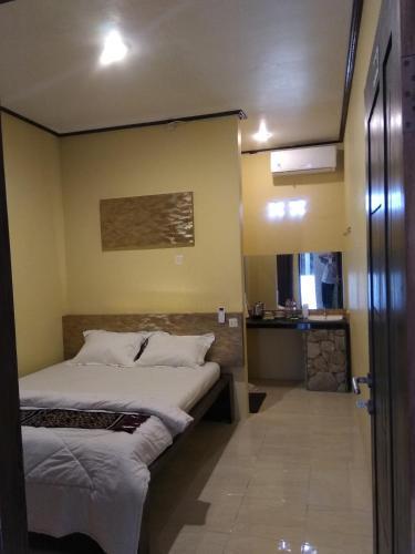 Four,i Hotel, Rote Ndao