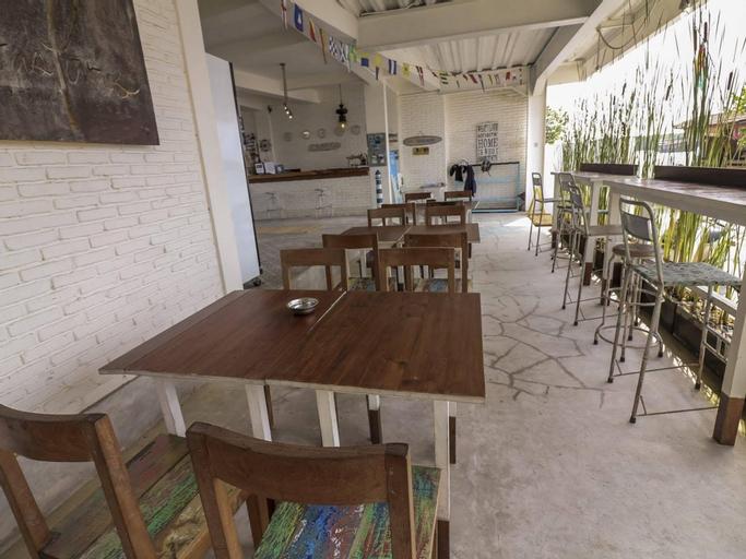 Nida Rooms Bali Denpasar Serangan Bintang At Paras Paros Marina Lodge, Denpasar