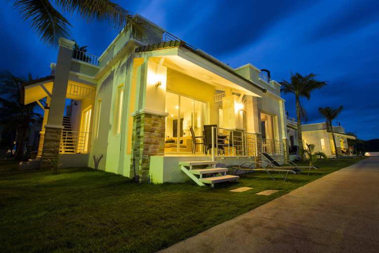 Oriental Beach Pearl Resort, K. Sam Roi Yot