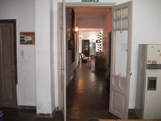 Hostal El Quara, Capital