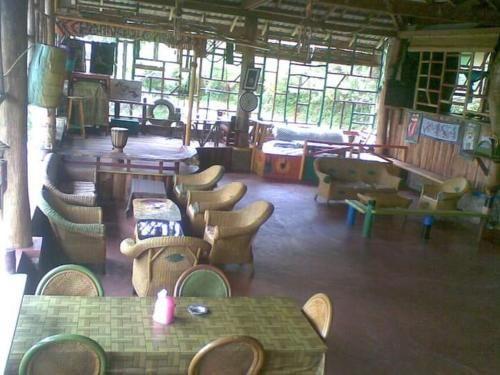 Parnas homestay bar & restaurant, Samosir