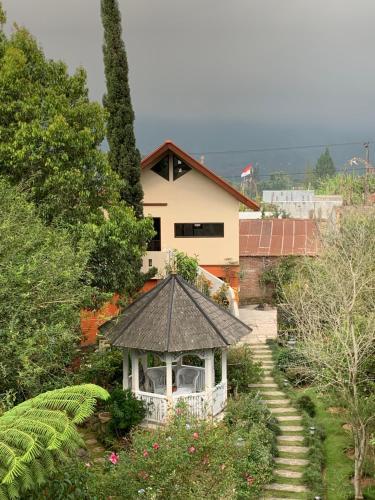 Garden house in Mountain, Buleleng