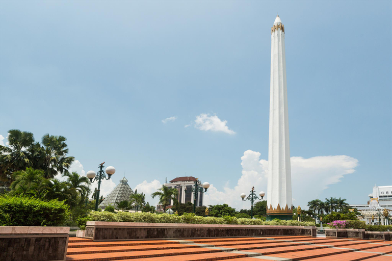 RedDoorz near Tunjungan Plaza 2, Surabaya