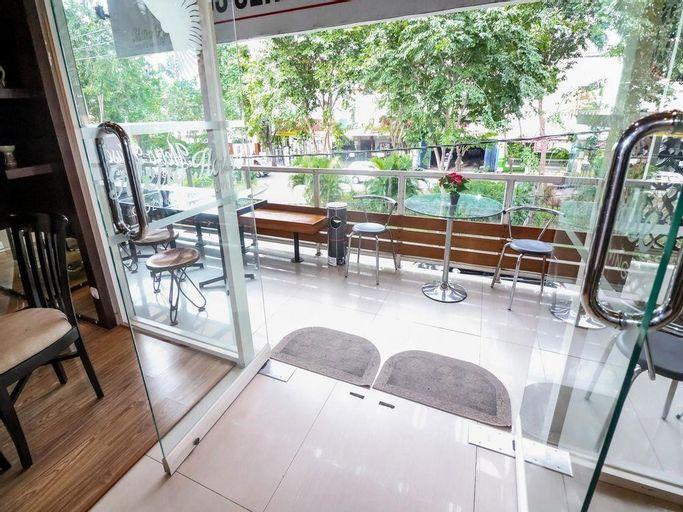 Nida Rooms Raya Dukuh Kupang 50 At Metro House, Surabaya