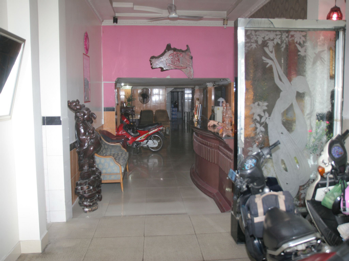 Tran Chau Hotel, Quận 4