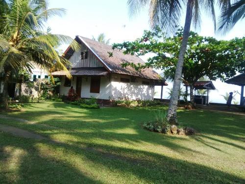 Villa Roca Sambolo Carita, Serang